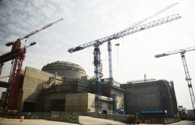 2013 年 12 月 8 日,广东省台山市外正在建设中法合作项目台山核电站