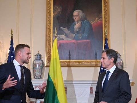 立陶宛外交部长兰茨贝尔吉斯赴华盛顿访问,与美国国务卿布林肯会晤,讨论双边经济合作及进一步强化紧密连结。