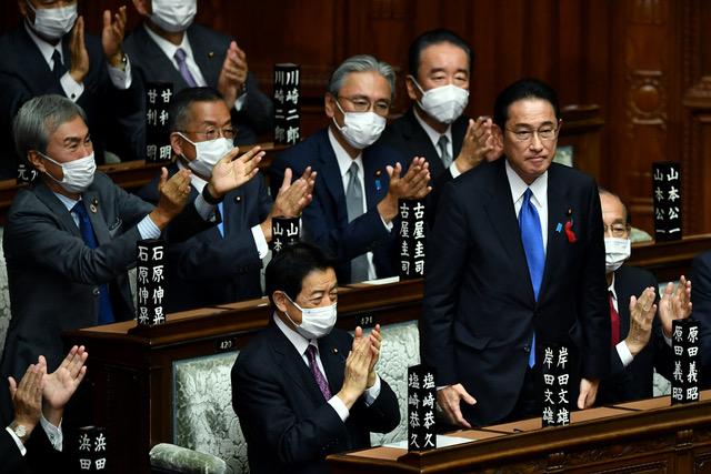 有学者称在乱世中,日本出现岸田文雄这样的首相,是日本的幸运。(法新社)