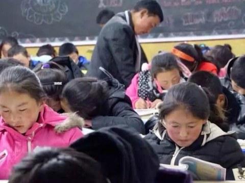 """青海一所以藏语教学、并教授西藏文化的""""Sengdruk Taktse(狮龙宫殿) """"民办中学,7月8日被迫关闭。"""